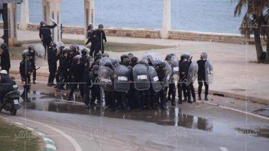 """مواجهات عنيفة بين القوات العمومية والراغبين في """"الحْريك"""" بالفنيدق 6"""