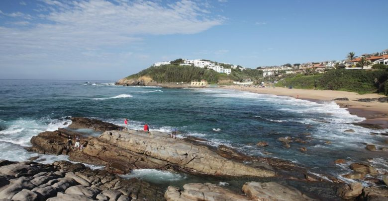 الوالي امهيدية يحدد الشواطئ المسموح السباحة فيها بطنجة 1