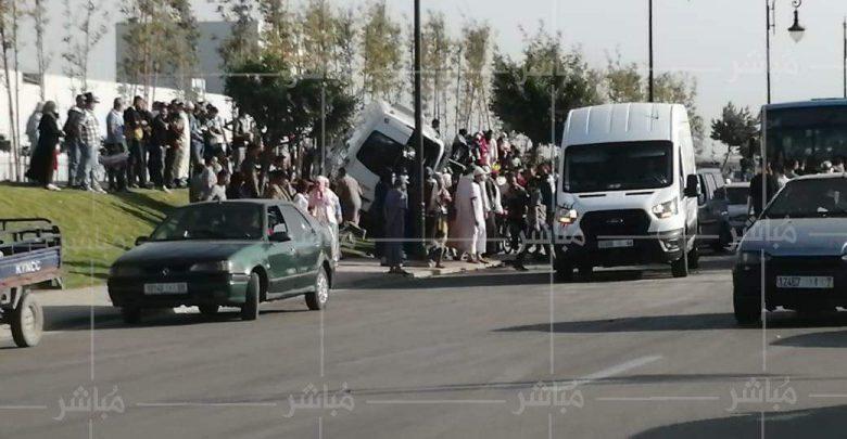اصطدام حافلة لنقل العمال بسيارة يخلف إصابات خطيرة بطنجة 1