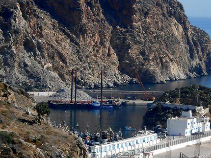 تخصيص أزيد من 700 مليون درهم للرفع من جاذبية ميناء الحسيمة 1