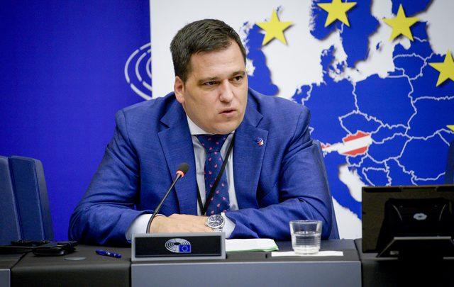 """برلماني أوروبي:""""إسبانيا تحاول زعزعة البلد الوحيد المستقر بشمال إفريقيا"""" 1"""