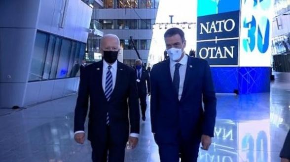 """سخط إسباني بعد تجاهل بايدن للرئيس الإسباني في قمة """"الناتو"""" 1"""