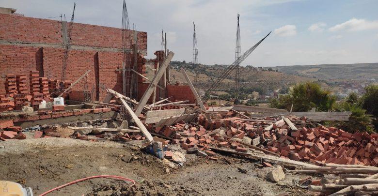 """السلطات تشن حملة واسعة على """"البناء العشوائي"""" بجماعة البحراويين وتهدم عدد من البنايات 1"""