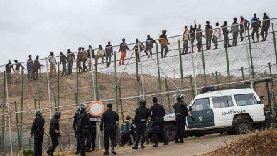 صد محاولة اقتحام سياج مليلية من لدن 150 مهاجرا وإصابات في صفوف الأمن الإسباني 3