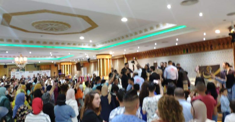 بسبب دنيا باطمة..السلطات تغلق قاعة الحفلات بحي طنجة البالية 1