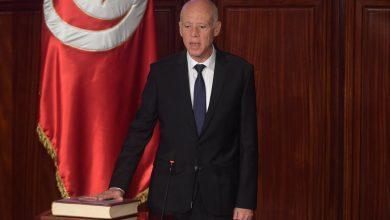 الرئيس التونسي يعفي رئيس الحكومة ويجمد عمل البرلمان ويرفع الحصانة عن النواب 2