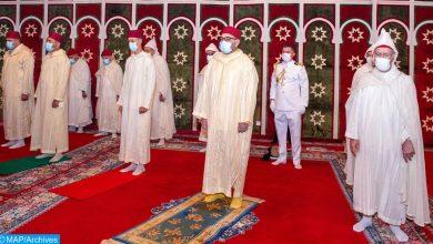 في احترام للإجراءات الإحترازية..الملك يؤدي صلاة العيد وينحر الأضحية بالقصر الملكي بفاس 5