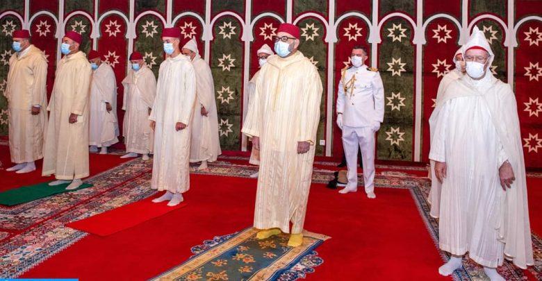 في احترام للإجراءات الإحترازية..الملك يؤدي صلاة العيد وينحر الأضحية بالقصر الملكي بفاس 1