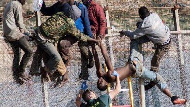 اقتحام 200 مهاجر إفريقي لسياج مدينة مليلية المحتلة 6