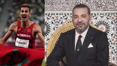 الملك يهنئ البطل المغربي سفيان البقالي بعد تتويجه بالميدالية الذهبية 3