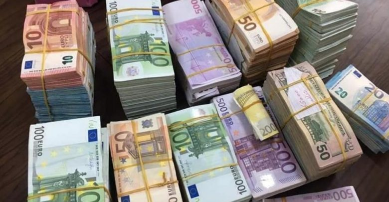 إجهاض محاولة تهريب أزيد من 75 ألف يورو بميناء طنجة المتوسط 1