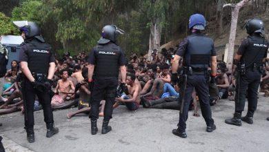 """بتنسيق مع المغرب...إسبانيا ترحل 125 مهاجرا سريا من جزيرة """"بادس"""" المحتلة 8"""