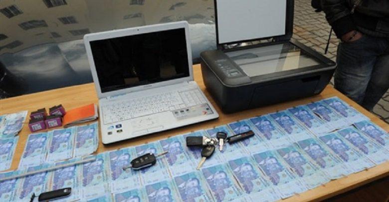 تزوير أوراق العملة الوطنية وتصريفها يقود أربعة أشخاص إلى الإعتقال 1