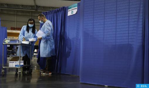 فرنسا تشدد إجراءات تلقيح العاملين في القطاع الصحي 1