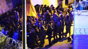 القوات العمومية تصد محاولة اقتحام سبتة المحتلة من لدن 400 مهاجرا (فيديو) 2